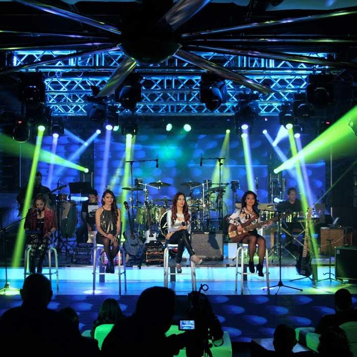 Las Fenix Retro Live Album